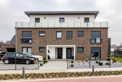 TOP-Investment in Verden : Voll ausgestattetes 3-Familienhaus (NEUBAU) mit Garage