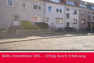 Neuwertige, sehr helle Wohnung mit neuer Einbauküche Nähe Waller Bad