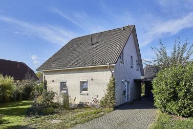 RESERVIERT! Ansprechendes Einfamilienhaus in idyllischer Randlage von Grasberg