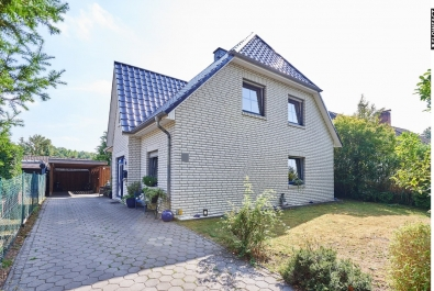 Weiß verklinkertes Einfamilienhaus Nähe Wörpe in Lilienthal-Falkenberg