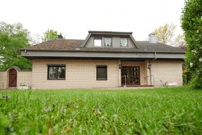 RESERVIERT! Freistehendes Einfamilienhaus in schöner Randlage von Lilienthal