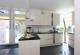 Einbauküche und Gartenzugang